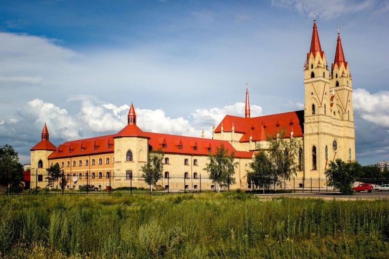 Католический кафедральный собор Караганда