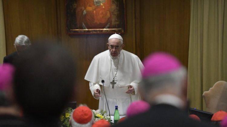 Папа подписал закон о предотвращении жестокого обращения с детьми