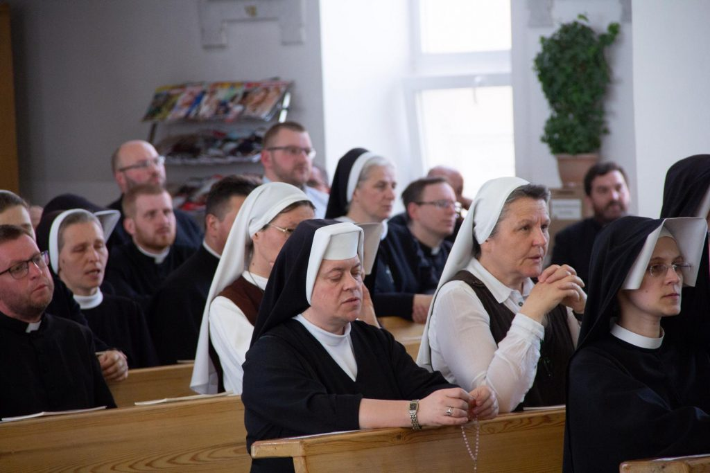 Как я подглядывала за встречей священнослужителей и монашествующих