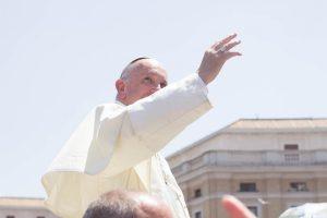 Казахстан поздравляет Папу Франциска с 50-летием священства