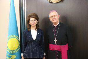 Архиепископ Томаш Пэта нанес визит новому министру