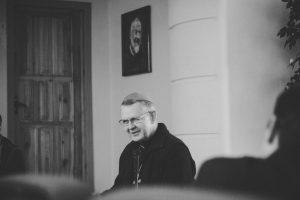 Служить каждому с радостью – вот плод настоящего стремления к смирению