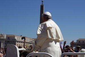 Комментарий епископа Атаназиуса Шнайдера к новости о Папе, сексе и еде